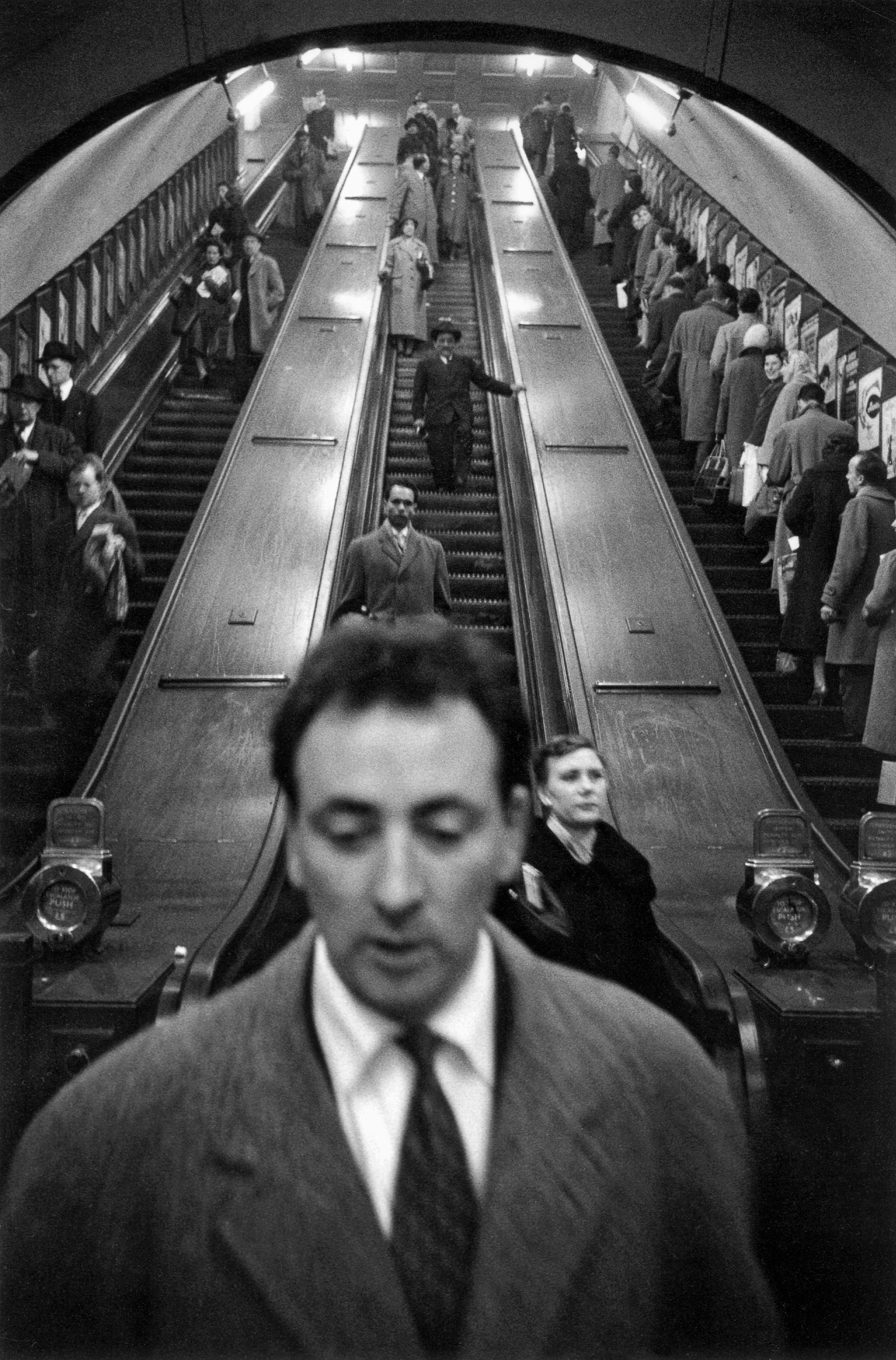 GB. ENGLAND. London. Baker Street underground station. 1958-1959.
