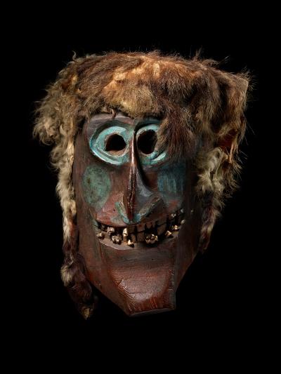 dada-afrika_p064-lotschentaler-maske-1haelfte20jh