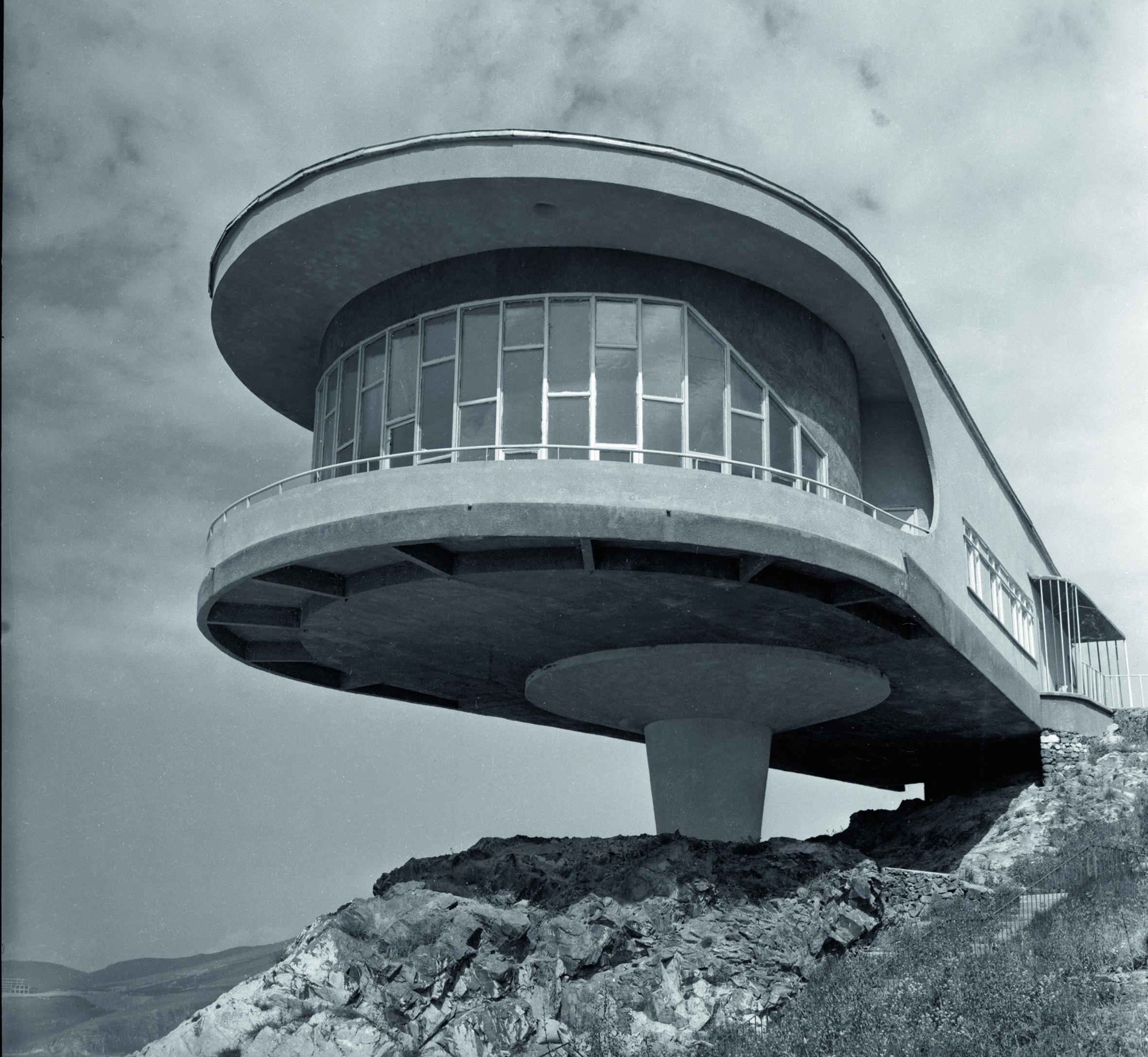 Soviet-Design_p315_Canteen-building-lake-Sevan _Kochar-Mazmanyan_1969